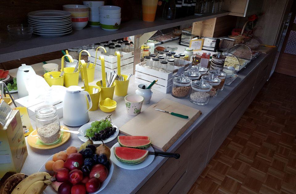 Frühstücksbuffet 2 Privatzimmer und Ferienwohnungen Gassner Nationalpark Gesäuse