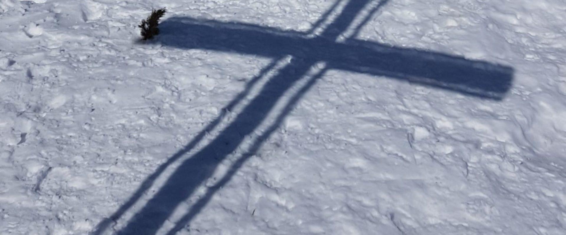 Grabnerstein Gipfelkreuz Gesäuse Privatzimmer Gassner Ferienwohnungen Nationalpark Gesäuse Winter nördlich der Enns Haus Gassner Skitour